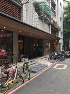 Mollie's used bookstore Taipei